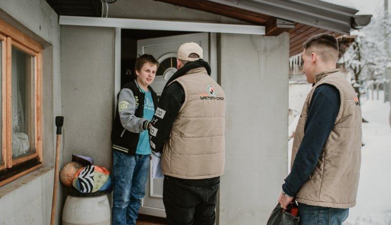 Bosnalı yetimlere kışlık giyim ve Süt keçisi yardımı