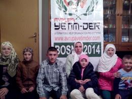 Waisenbekleidung in Bosnien